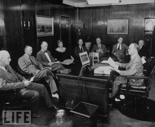 E.K. Gaylord presides over an editorial meeting. Courtesy of Life Magazine Archives