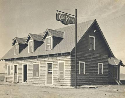 Log Cabin restaurant on SE 29 prior to arrival of Tinker Air Force Base, creation of Midwest City. Photo courtesy of the Atkinson Center.